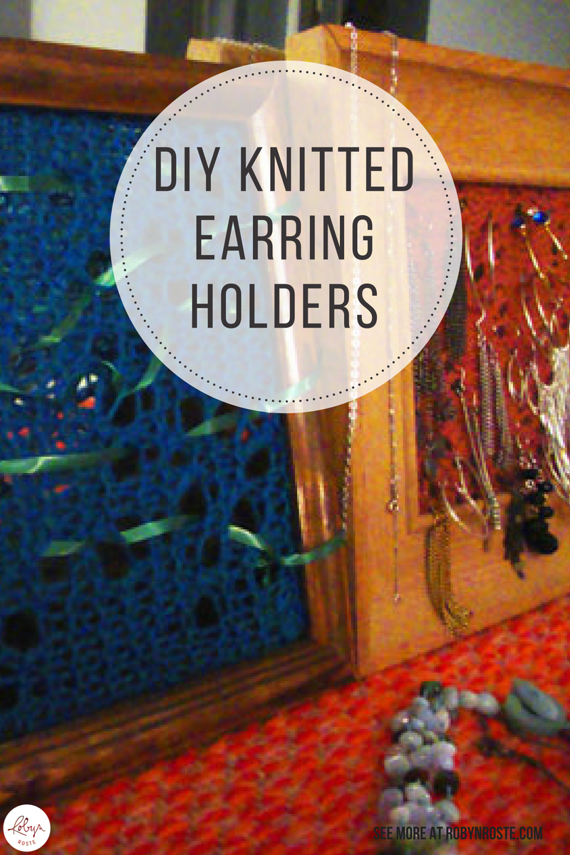 Here are some awesome free earring holder patterns below in case you want to make this project yourself. It's such a quick knit (or crochet!) and I know you'll get a lot of use from it. Also makes a great gift!